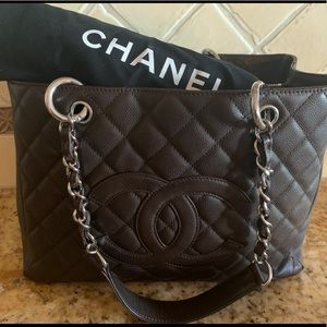 CHANEL authentic quilted caviar leather shopper